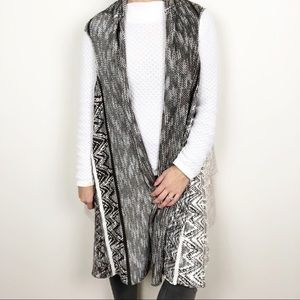 OSO Casuals patterned knit cardigan sweater vest